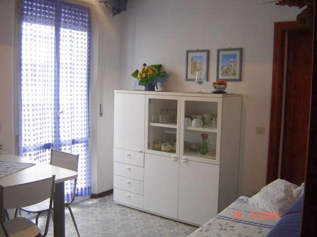 Casa vacanze marche affitto appartamento estivo torrette for Case con torrette