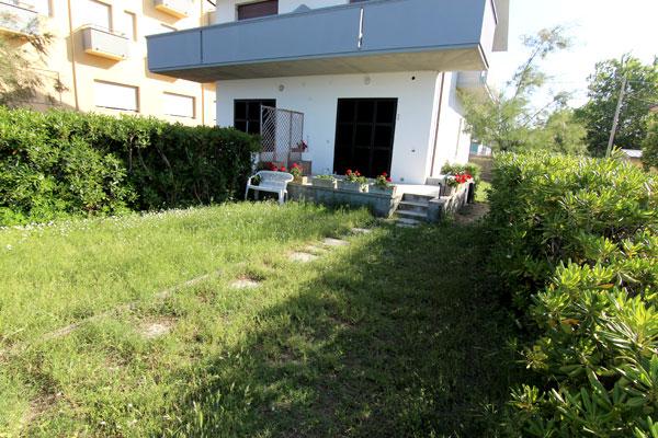 Affitto con giardino case vacanze marche ponte sasso - Case in affitto vigevano con giardino ...